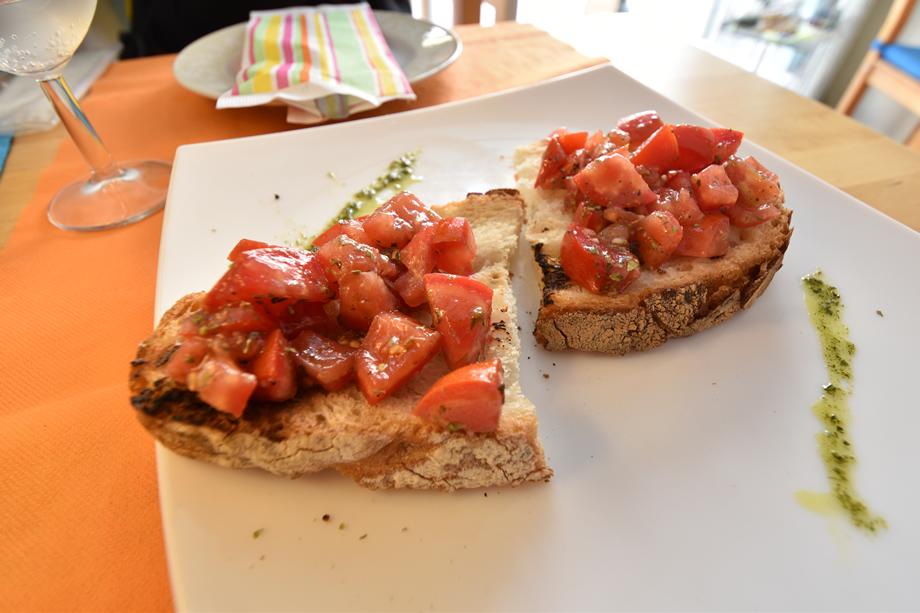 写真家 阿部 秀之が超広角ズームレンズ10-24mmでマルタ島を撮る「マルタで料理写真」第5回