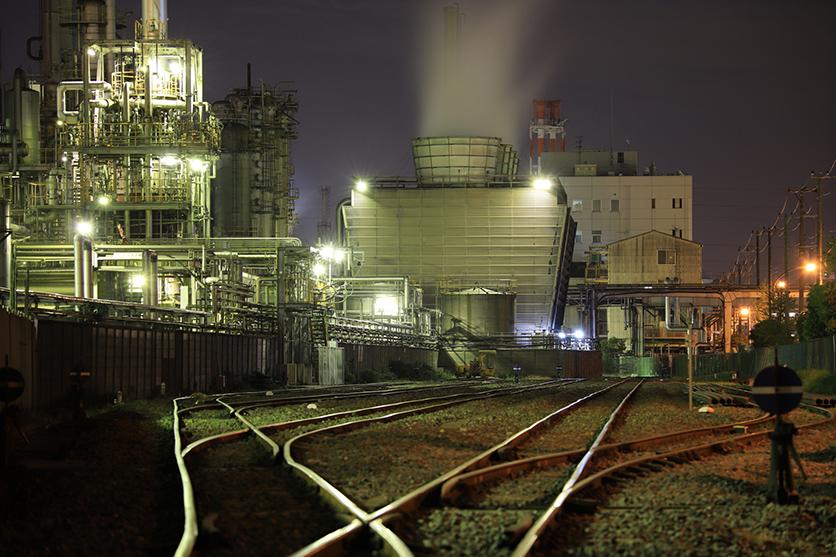 夜景写真家 岩崎 拓哉氏がタムロン100-400mmで撮る川崎・横浜の工場夜景