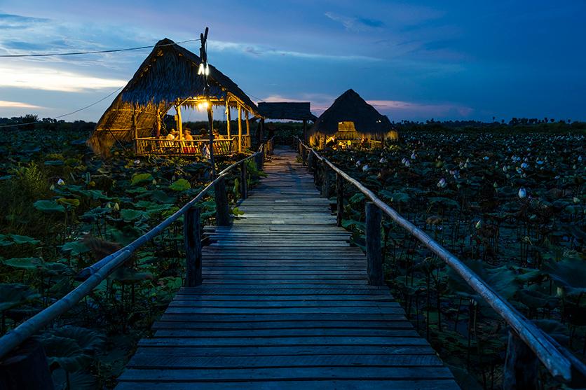 写真家 Remi Chapeaublanc氏がタムロン28-75mm F/2.8でカンボジアの風景とそこに暮らす人を撮影した全14カットを公開