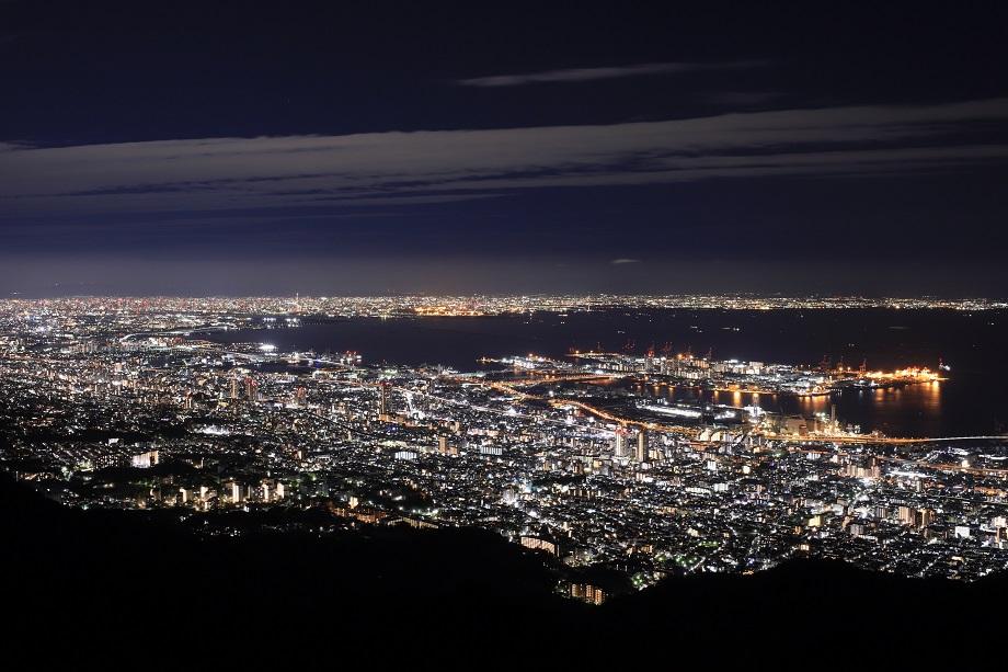 夜景写真家 岩崎 拓哉氏がタムロンSP 35mm F/1.4 (Model F045)で神戸の夜景を撮影