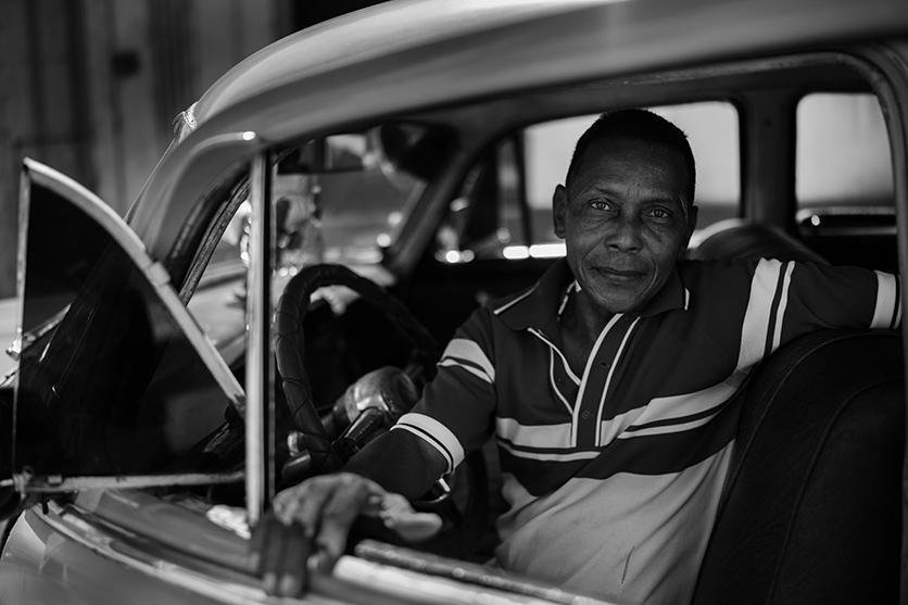 写真家 中藤 毅彦氏がタムロンSP 35mm F1.4 でキューバの街並みやスナップを撮影。未公開カットを含む全12カットを公開
