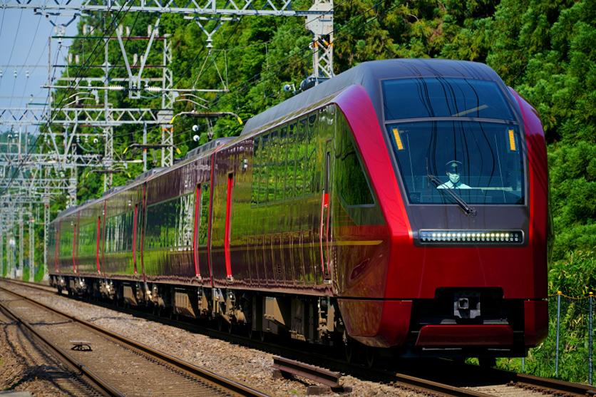 鉄道写真家 杉山 慧氏がフルサイズミラーレス用大口径望遠ズームレンズ タムロン70-180mm F2.8 (Model A056)で鉄道写真を撮る