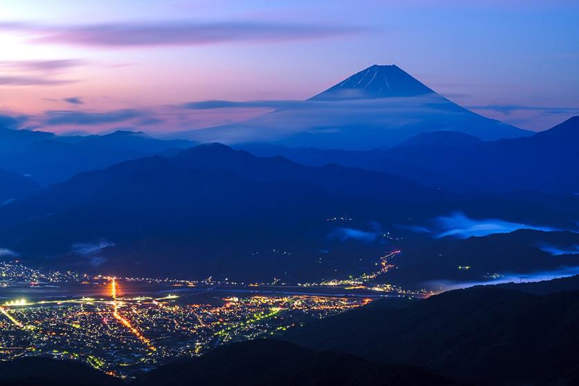 富士山写真家TAKASHI氏が大口径望遠ズームタムロン70-180mm F2.8 (Model A056)で富士山を撮影。スナップを含む全9カットを公開
