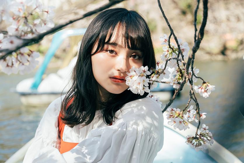 写真家 小川 遼氏がタムロン17-70mm F2.8 (Model B070)で撮影する桜ポートレートと旅スナップ
